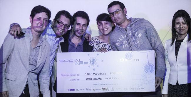 Losn ganadores, creadores de las mejores aplicaciones sociales en Colombia.