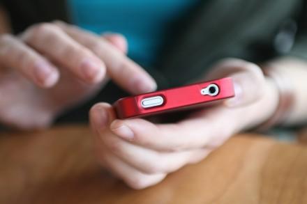 Aunque se permita el uso del mail en los celulares de usuarios cubanos, el precio del servicio es muy elevado