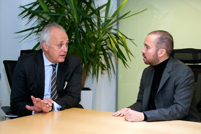 Antonio Mugica, fundador y CEO de Smartmatic, y el ex ministro y lord inglés, Mark Malloch-Brown, en el anuncio de la creación de la llegada de SGO en América Latina.