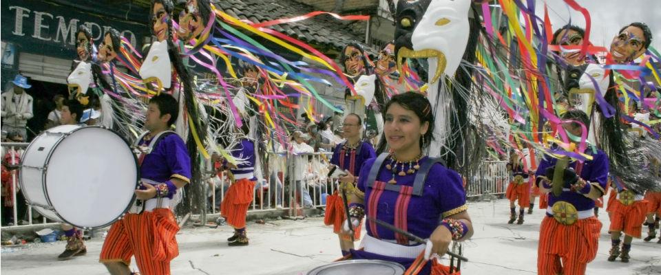 Celebración del Carnaval de Blancos y Negros de Pasto que ya tiene una aplicación con la información de los acontecimientos.