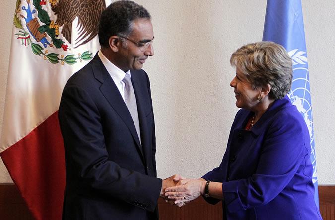 Fadi Chehadé, Presidente y Director Ejecutivo de ICANN, y Alicia Bárcena, Secretaria Ejecutiva de la CEPAL