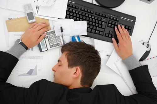 estres-laboral trabajador