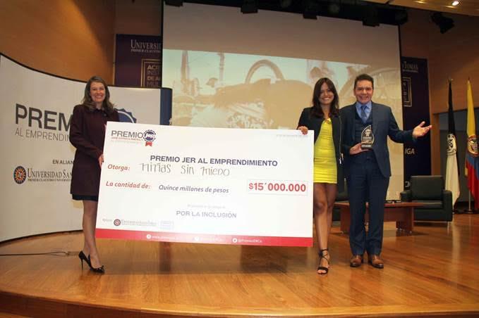 Premio emprendimiento por la inclusión: Maria Cristina de la Cuadra, Natalia Espitia y Jaime Esparza Rhénals