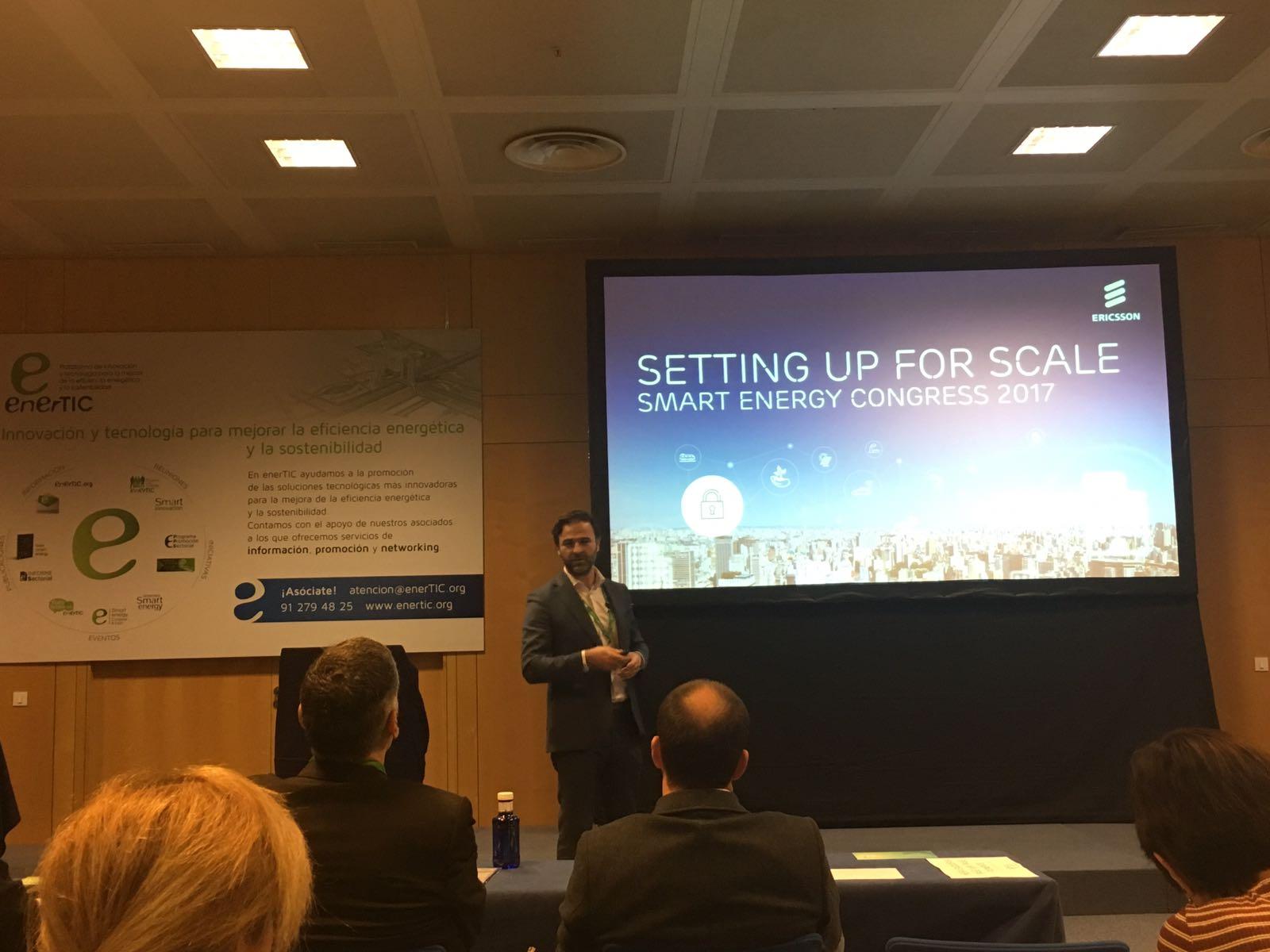 Pedro Almeida de Ericsson durante su intervención en el EnerTIC hablando de ciudades inteligentes y uso de datos.