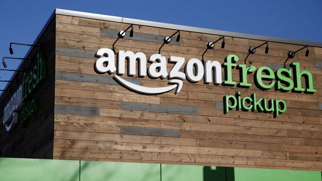 Amazon lleva años vendiendo productos frescos pero no ha conseguido una gran cuota de mercado. Con Whole Foods piensa dominar este mercado.