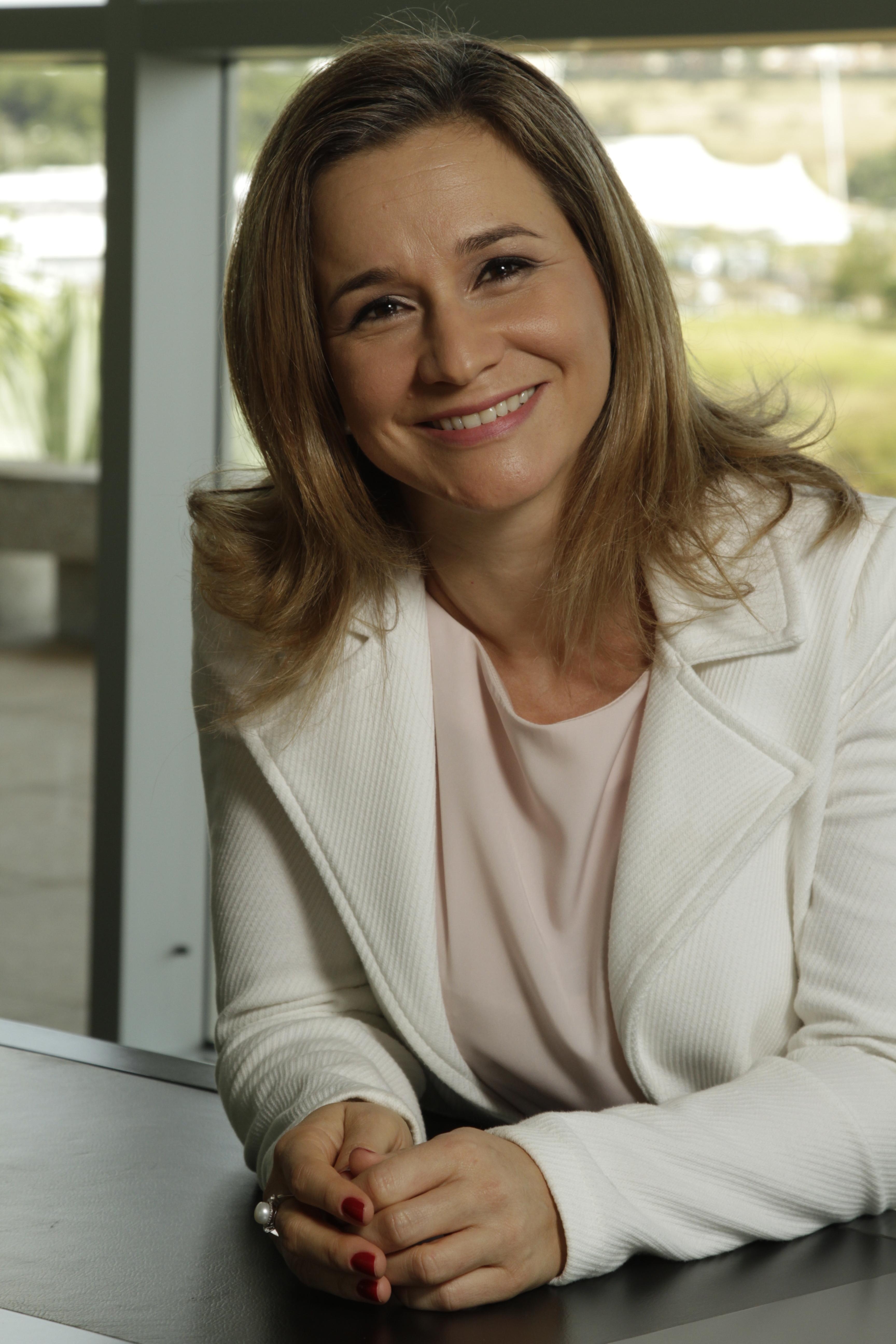 Tatiane Tatiane Panato, Vicepresidenta de Operaciones y Ventas de Algar Tech.